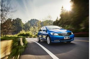 比亚迪百亿增资扩充电池产能 推进新电动车型研发