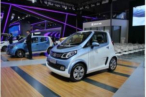 众泰微型电动汽车E200亮相 设计师发飙造型出众