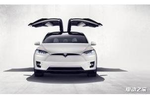 """特斯拉Model X问题不断 """"鹰翼门""""升级后能切黄瓜"""