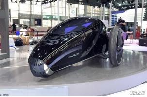 """丰田制造""""三轮车""""FV2电动车体型小巧造型科幻"""