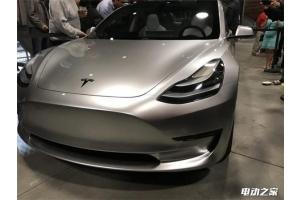 最新款特斯拉Model 3实拍照片:外观超酷炫 内饰特简单