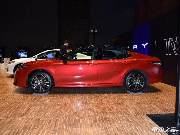 广汽丰田 凯美瑞 2018款 2.5L 运动版 基本型